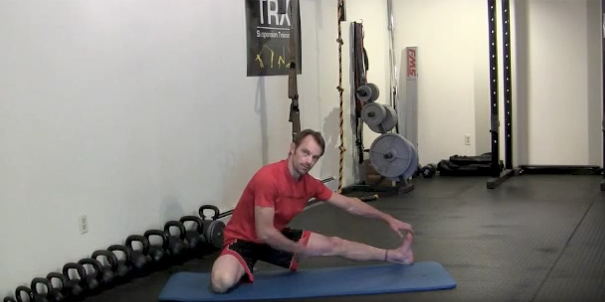 The Frog Stretch for BJJ – The best stretch to open up your groin and inner thigh.